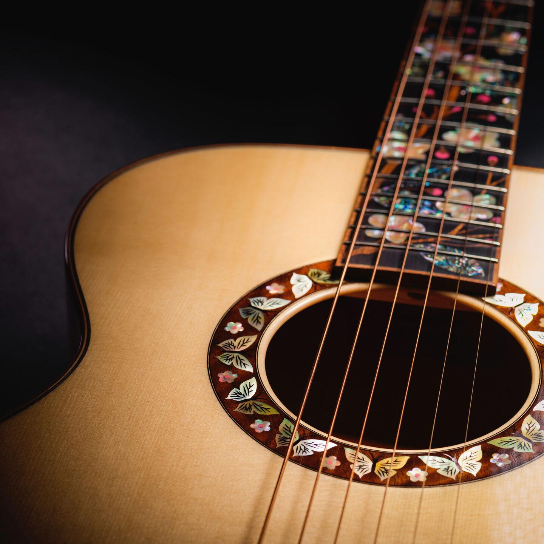 Custom inlay on guitar soundhole