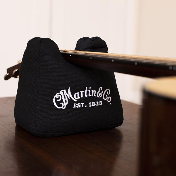 Martin Neck Rest image number 1